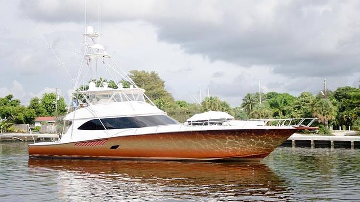 Viking Yacht Company  ·   Now that's a paint job! #VikingYachts #LeadingTheIndustry #Ombre