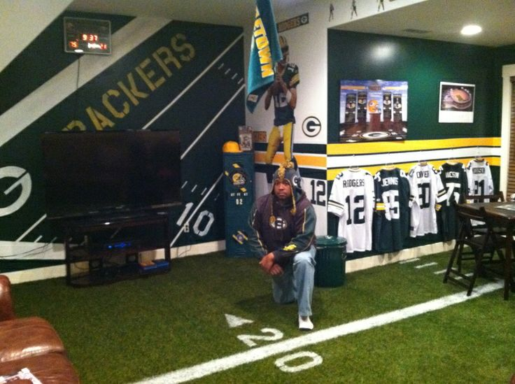 Kevinu0027s Green Bay Packer Fancave