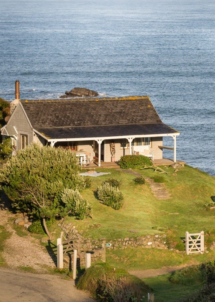 Marvelous The Beach Hut In North Cornwall Cottages In 2019 Download Free Architecture Designs Scobabritishbridgeorg