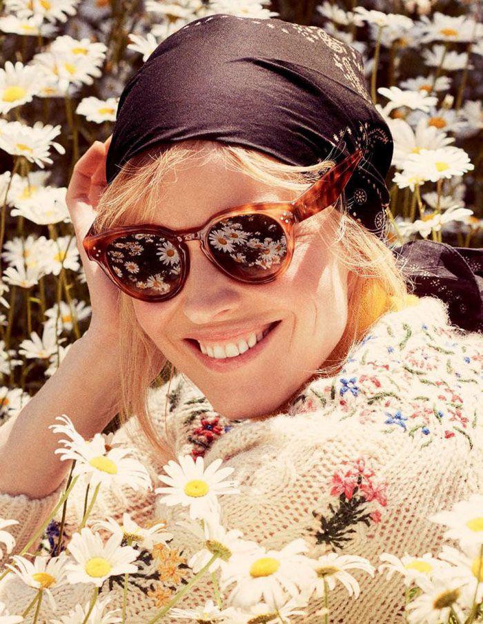 Top model Eva Herzigova is styled in fall's romantic, feminine looks by Carola Bianchi. David Burton flashes the sunny fashion optimism for Elle Italia August 2015.  http://www.anneofcarversville.com/style-photos/2015/7/15/eva-herzigova-wears-sunny-femininity-in-david-burton-images.html