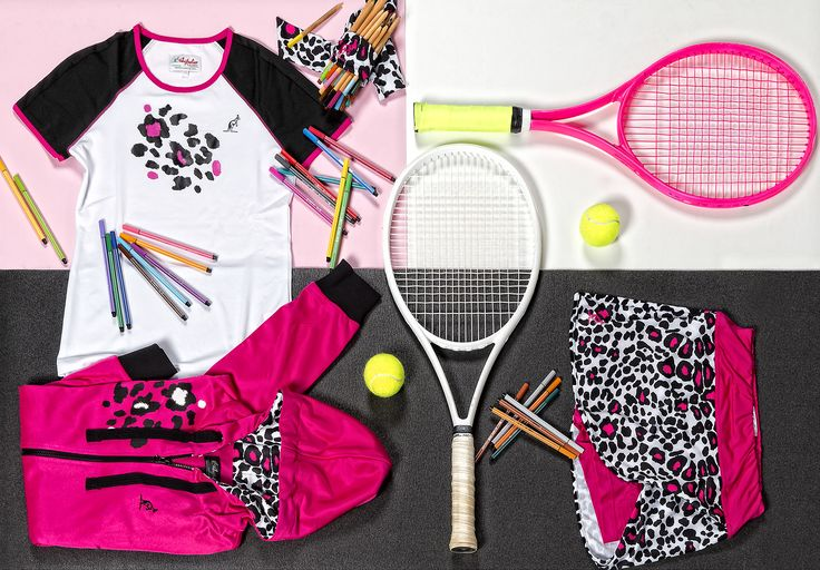 The beauty of colours, as much as tennis, knows no age! Australian has created a line dedicated to the champions of tomorrow.  Find it out in our store: http://bit.ly/2jftyL9  #Australian #kidswear #colours #tenniswear #wearing #collection #kids #lovetennis
