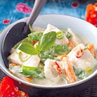Groene curry: stoofpotje van vis, peultjes en worteltjes