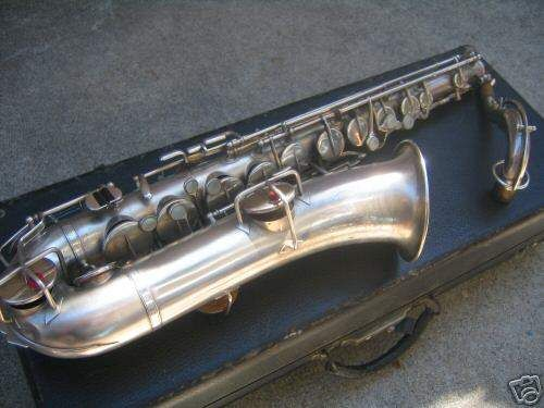 Sax vintage in do C Melody marca Buesher