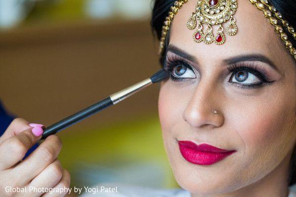 Fabulous indian bridal make up. http://www.maharaniweddings.com/gallery/photo/83462