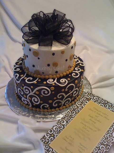 black and gold cakes | Black and Gold Cake - Great for my next Birthday!