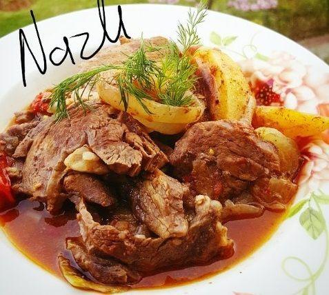 Harika bir et yemeği tarifi olan fırında kuzu külbastı tarifini Ramazan Ayı'nda iftar sofralarınızı süsleyecek nefis bir yemek tarifidir.