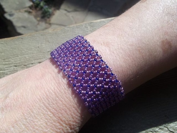 how to make a beaded netted bracelet