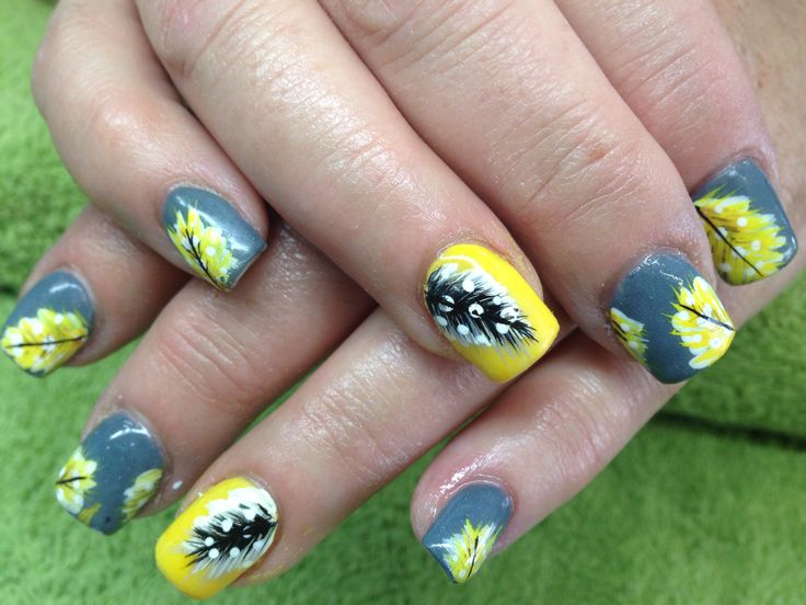 27 best nail art mixed meduims by vicky louw images on pinterest yellow and grey nail art feathers paint prinsesfo Gallery