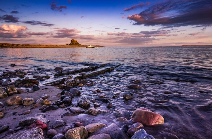 https://flic.kr/p/HrmZ7P | Holy Island Sundown. | Taken at Holy Island, Northumberland on 30/03/2016.