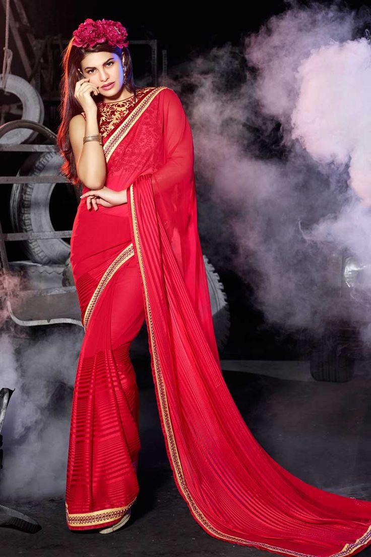 sari rose georgette de satin avec chemisier en soie d'art Prix:-56,77 € nouvelle collection de saris concepteur d'arrivée sont maintenant en magasin présenté par Andaaz mode comme georgette rose, satin sari avec chemisier en soie d'art. agrémenté de broderies, Resham, pierre, Zari, concepteur Pallu, bateau chemisier col, sans manches, chemisier. cette robe est préfet pour la fête, mariage, fête, cérémonie…