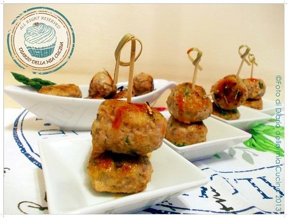 ©Diario della Mia Cucina - Ricette semplici, veloci e golose: Polpettine di tacchino piccanti con asparagi profumate alle erbe aromatiche