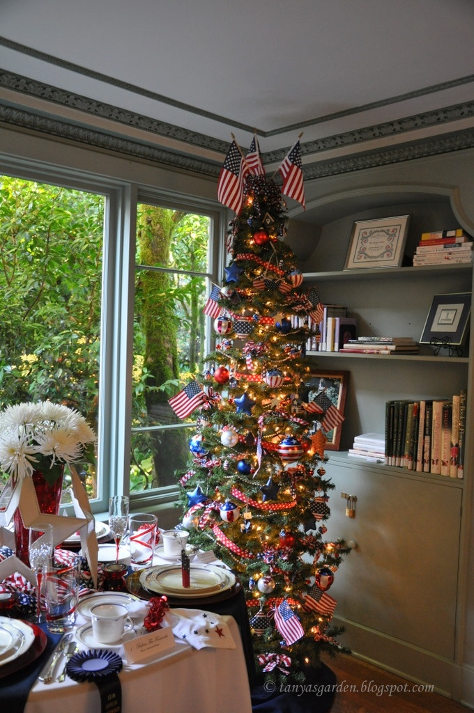 1000+ images about Red, White & Blue Christmas on Pinterest | Blue christmas trees, American ...