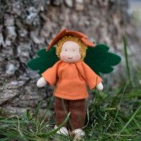 Leaf Elf - Waldorf Fairy Doll. Adorable!Waldorf Stuff, Waldorf Fairies, Elf Fairies, Leaf Elf, Waldorf Dolls, Fairies Dolls, Leaves, Elves