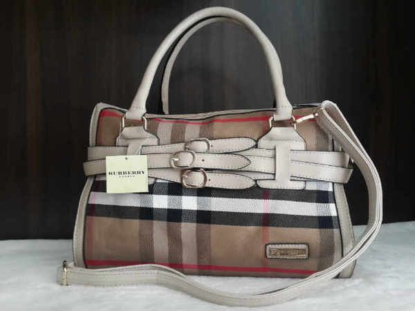 B**berry Wina Super sz.36x16x26 bh. kulit. IDR 200K. colors: beige, red, brown, coffee. cp Risa - 089608608277