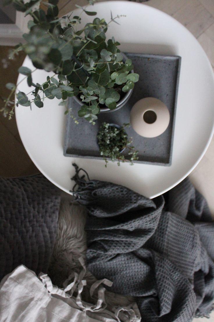 Cooee vase og eucalyptus - yndlings kombination 🌿 Følg min blog www.lykkestunder.dk