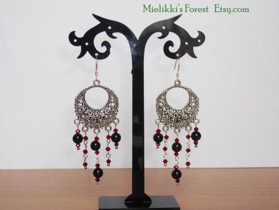 Orecchini candelabro con perle nere di di MielikkisForest su Etsy