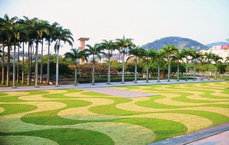 Resultado de imagem para paisagismo do Museu de Arte Moderna do Rio de Janeiro