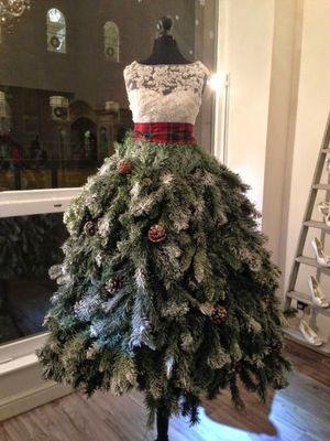 Фото: Необычные новогодние елки сделанные своими руками (Фото)