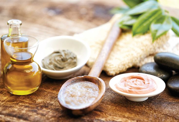 9 makkelijke recepten om zelf natuurlijke verzorgingsproducten te maken. En... een boodschappenlijst!