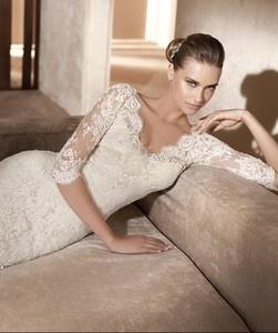 Google Image Result for http://i.ebayimg.com/t/Custom-Classic-vintage-Lace-Long-Sleeve-White-Ivory-Wedding-Dress-Bridal-Gown-/00/s/NjQyWDUzOQ%3D%3D/%24T2eC16FHJGQE9noMZJ)nBQM759Qw8g~~60_35.JPG