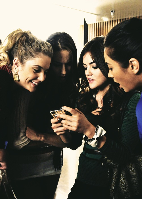 Ashley Benson, Troian Bellisario, Lucy Hale, and Emily Fields - Pretty Little Liars behind the scenes #PLL