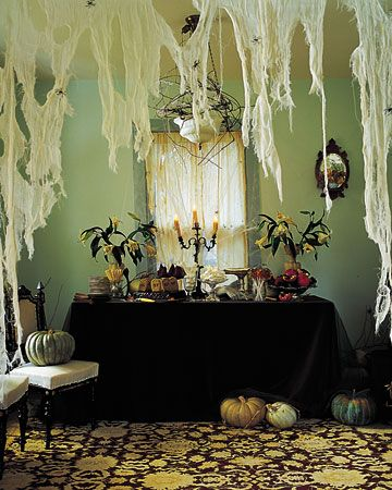 Halloween DecorationsHalloween Decorations, Halloween Parties, Decor Ideas, Indoor Decor, Halloweendecor, Martha Stewart, Buffets Tables, Halloween Ideas, Spiders Web