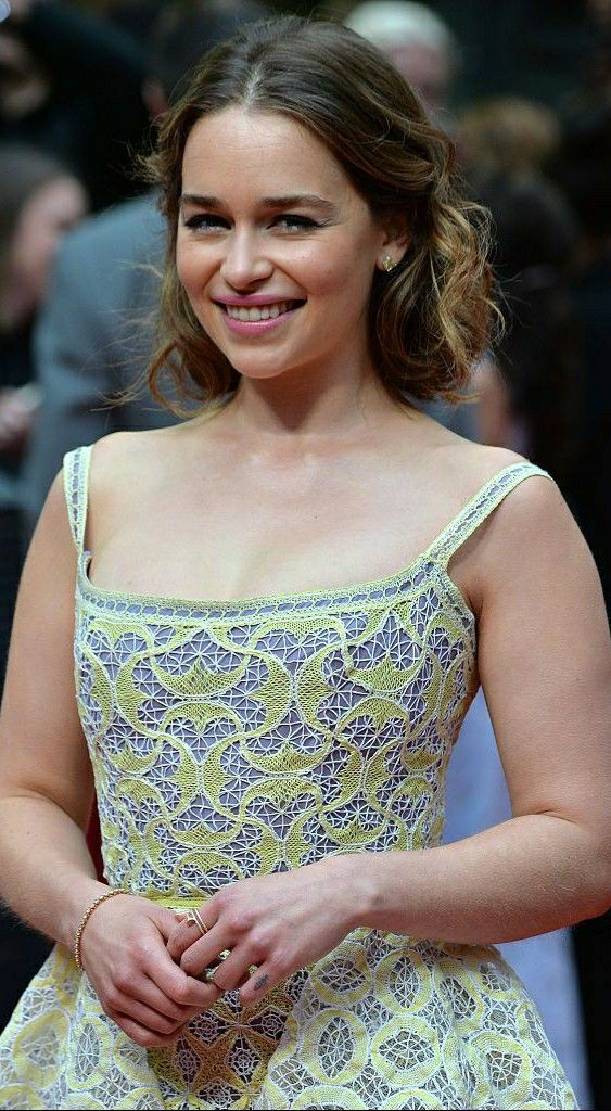 Emilia Clarke J N in 2021 | Emilia clarke, Emilia clarke ...