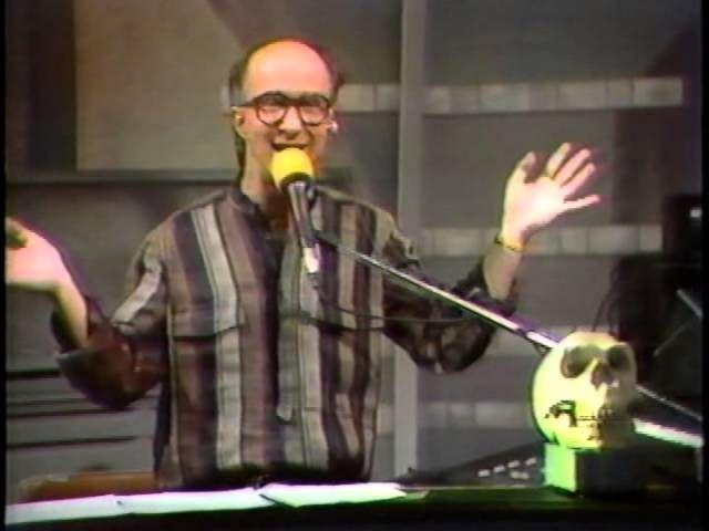 05-14-1986 Letterman Stupid Pet Tricks Marv Albert - https://www.lovemypet.club/05-14-1986-letterman-stupid-pet-tricks-marv-albert/