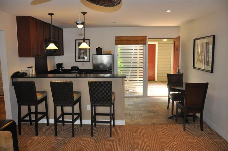 Aina Nalu Resort #I1380109 West Maui Condo for Rent | Maui Hawaii Vacations Updated Kitchen and Dining Area