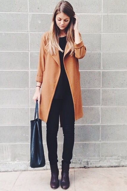 theStyleShake | Street Style / Outfit Inspiration | Minimalist camel coat and all black outfit