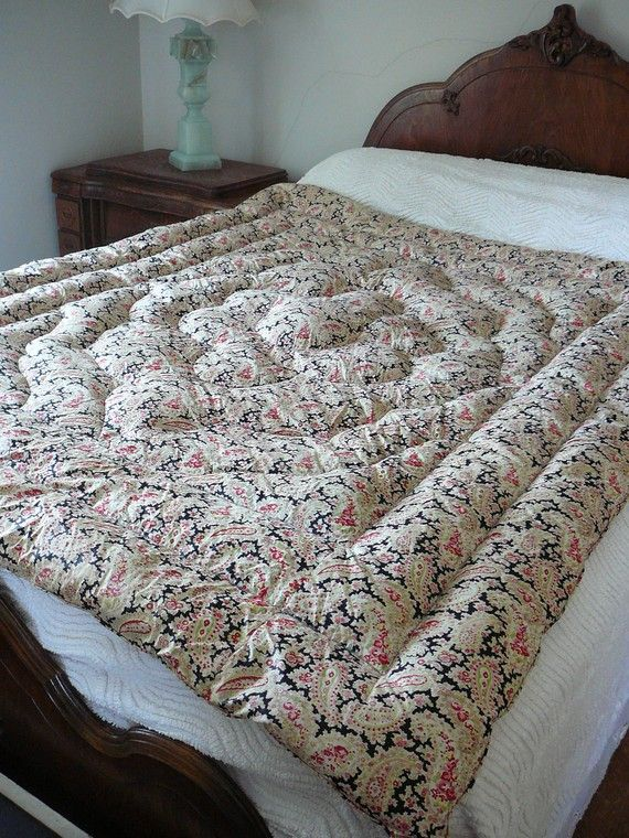 99 best Vintage Eiderdowns images on Pinterest | Bee, Blankets and ... : old fashioned quilted eiderdowns - Adamdwight.com