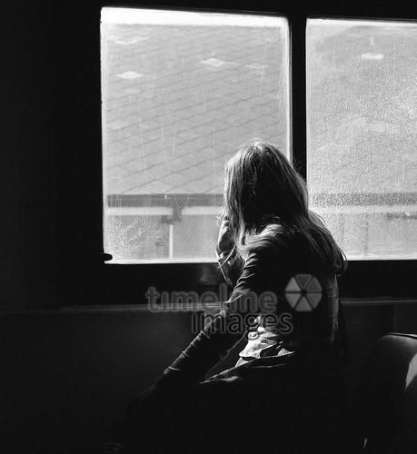 Ankunft mit der Fähre von Tangier nach Gibraltar, 1974 Juergen/Timeline Images #Atmosphäre #atmosphärisch #Design #Designkonzept #Farben #Konzept #kreativ #Kreativität #Moodboard #Mood #Stimmung #stimmungsvoll #Thema #Moodboardideen #Moodboarddesign #Paris #Cafe #Kontraste #Touristen #Jacken #Mäntel #60er