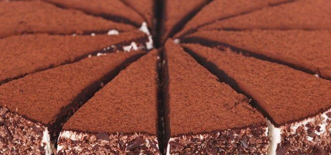 #Tiramisu 'yu seviyorsanız bu lezzetli tarifi mutlaka denemenizi tavsiye ederiz.   http://www.yemekhaberleri.com/bogurtlenli-tiramisu/
