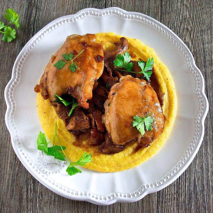 Sovracosce di pollo al miele con polenta al curry e funghi
