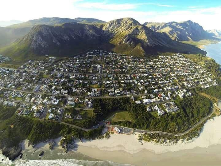 Voelklip susburb in Hermanus - Western Cape - South Africa. #Voelklip #Hermanus