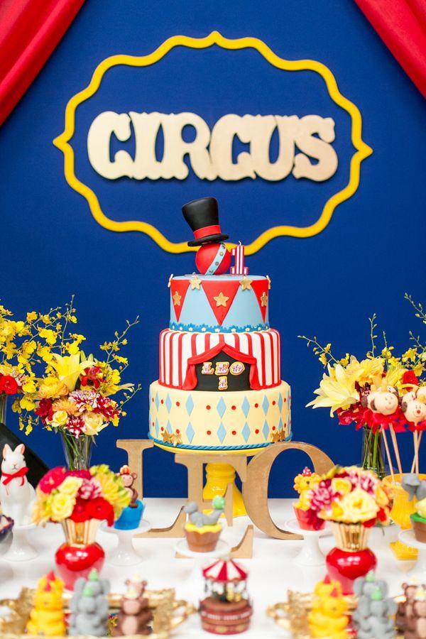 O aniversário de 1 ano do Leonardo foi no tema circo! A festa infantil no Manioca foi decorada pela Jazz Assessoria. Vem ver!