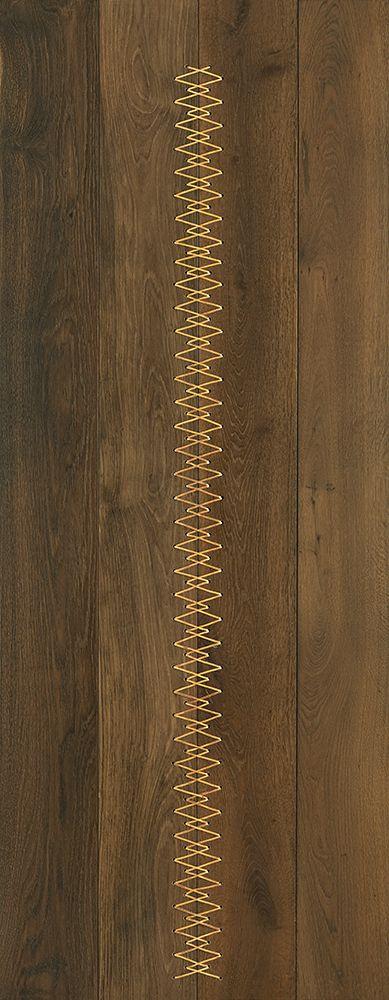 Maison close : Chêne massif Havane et corset fil laiton massif #parquet #art #interiordesign #interiorarchitecture #wood #woodfloor #paris #carresol #laiton