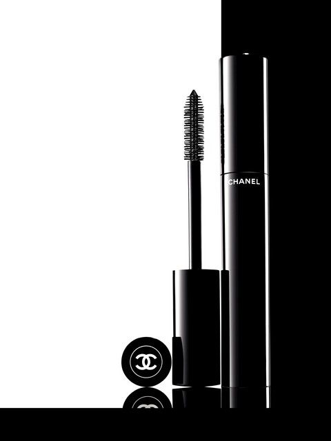 Le Volume De Chanel - Favourite Mascara on the market right now. HUGE lashes…