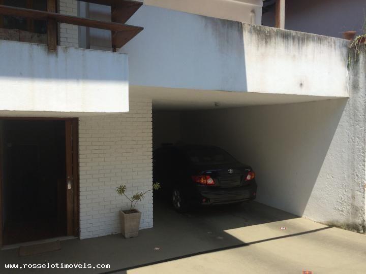 Casa com 5 Quartos para Alugar, 274 m² por R$ 5.000/Mês Iúcas, Teresópolis, RJ, Foto 4