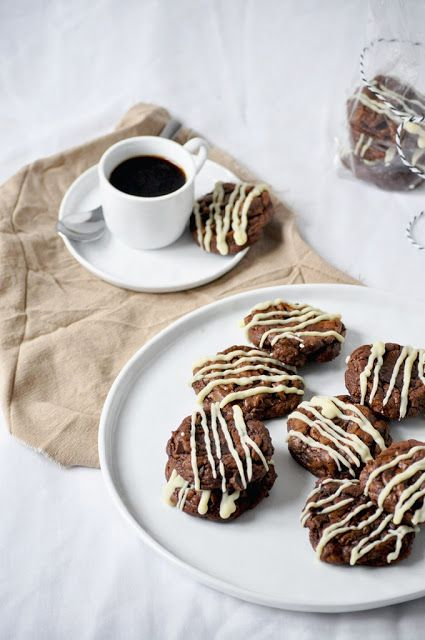 Elodie's Bakery: Seriously chocolatey cookies and a surprise | Cook...