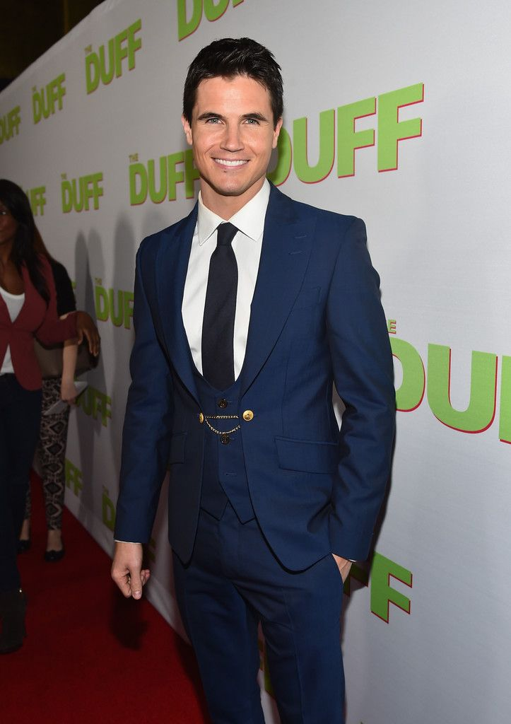Robbie Amell Charms in Vivienne Westwood at The Duff Fan Screening