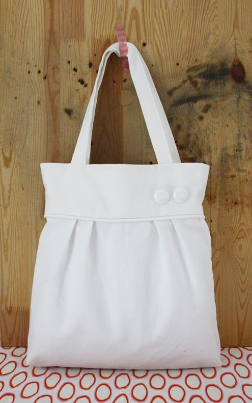 White pleated tote