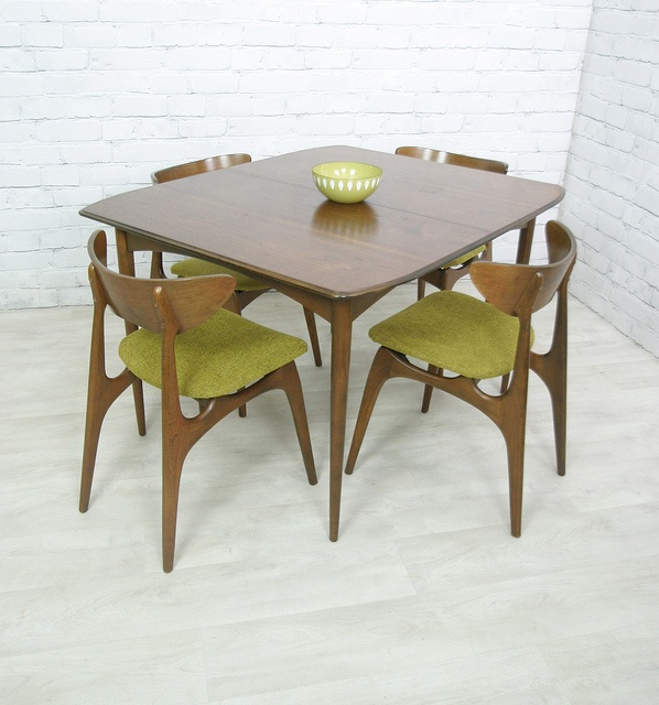 Good Extending Dining Table U0026 Four Chairs Manufactured By U0027Deilcraftu0027 Of Canada.  Circa 1950s