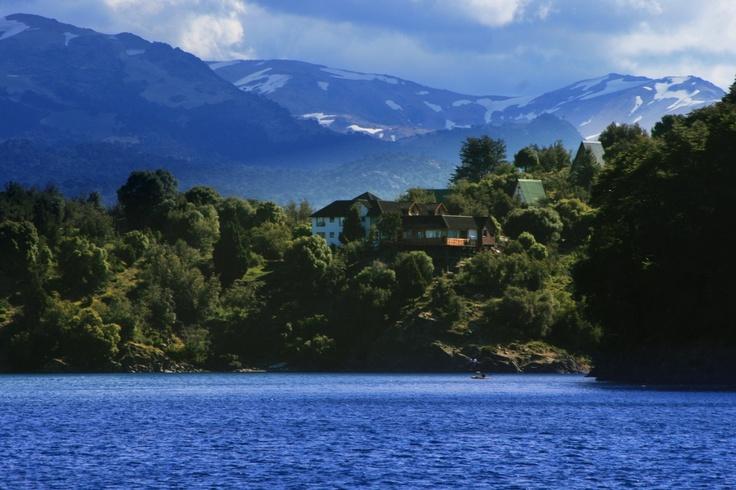 Lago Aluminé. Villa Pehuenia, Neuquén, Argentina