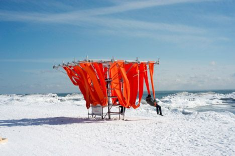 Toronto Winter Stations 2015 / swing