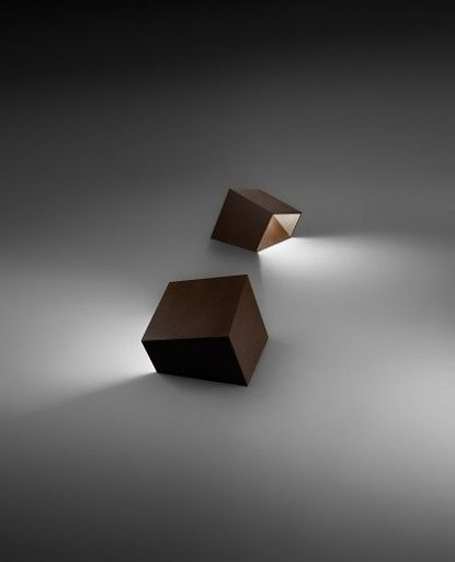 The Break 4107 outdoor bollard light by Vibia has been designed by Xuclà & Alemany. This light contains methacrylate diffuser which is a good source of subtle light and provides a pleasant environment. Break 4107 outdoor bollard light is available in oxide lacquer and khaki finishing.
