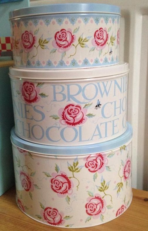 Emma Bridgewater Rose & Bee Cake Tins 2014