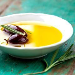 Plusieurs huiles d'olive extra-vierges n'en sont pas ou sont diluées (Agence canadienne d'inspection des aliments)