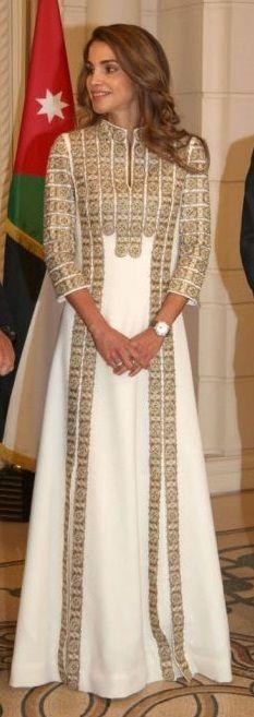 PHOTOS - La reine Rania de Jordanie entre son époux le roi Abdullah II et leur…