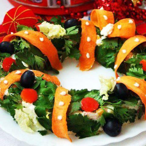 Cool Christmas Wreath Salad